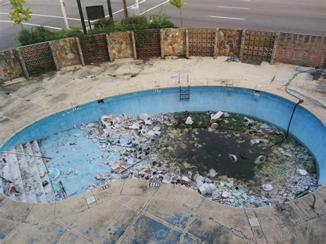 bad pool at hotel   Latitudes Travel