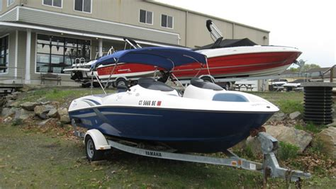 proline boats for sale ct madison ct new and pre owned used boat sales bayliner