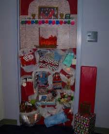 simple christmas door decorations christmas office door