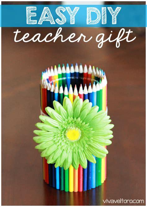 diy crafts for teachers easy diy gift colored pencil vase viva veltoro
