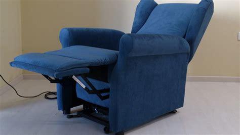 poltrone per anziani usate poltrone elettriche relax ma anche aiuto per anziani e