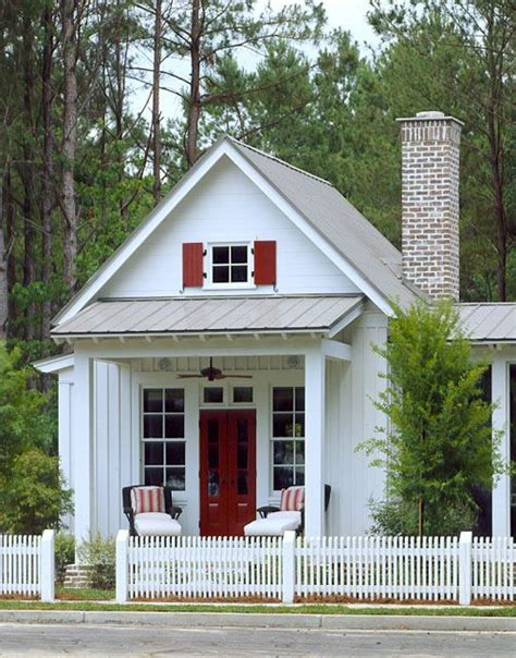 southern cottage for coastal living by moser design group recreation