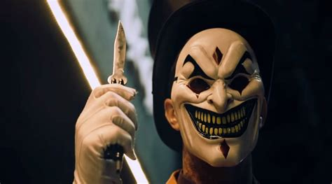 Simple Mask Bh Masker Oksigen Sungkup the jester has a deadly trick up his sleeve in this chilling the 13th floor