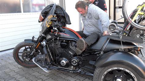 Motorrad Umbau Behinderte by Video Rollstuhl Trike Harley Davidson Motorrad Umbau