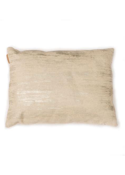 Storing Pillows | decorative pillow pil019