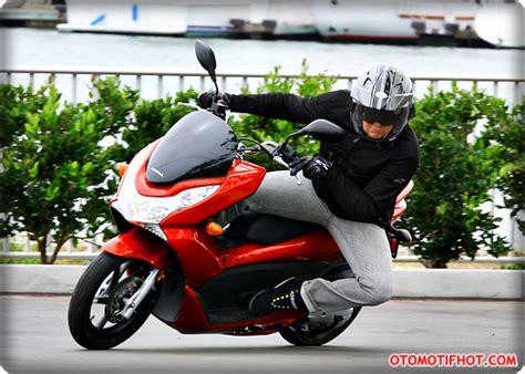 Suku Cadang Honda Pcx review honda pcx 125 dan honda pcx 150 terbaru 2015 top