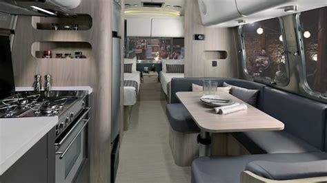 whats   airstream  travel trailers suncruiser