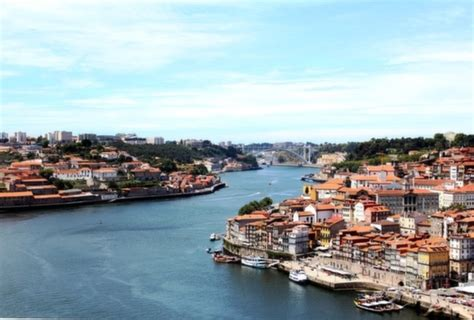 hostel porto portugal surfivor surf hostal en porto portugal aprende a surfear