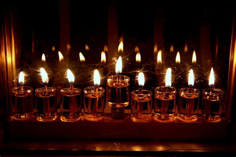 Candle Lighting Times For Hanukkah 2013 by All About Hanukkah The 8 Festival Of Lights