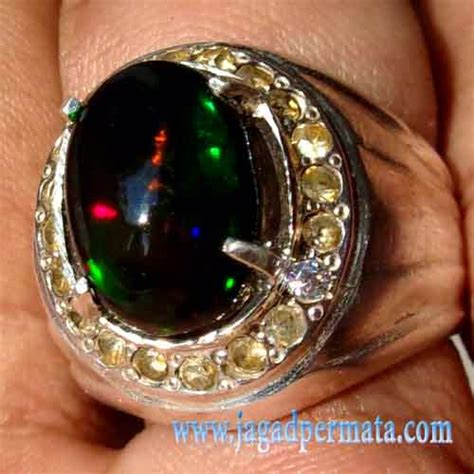 Black Opal Banten Liontin 1 batu permata black opal kalimaya banten jual batu permata