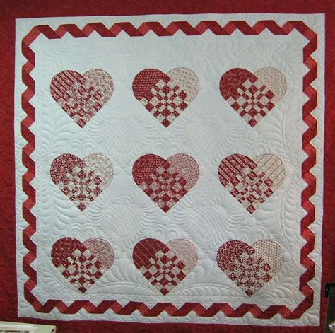 quilt pattern hearts 220 best hearts valentine quilts images on pinterest