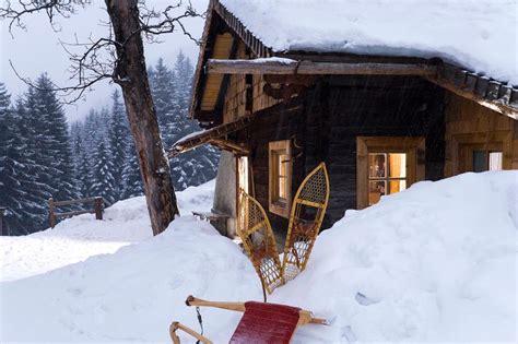einsame hütte im schnee mieten tipps f 252 r den schneeurlaub wo h 252 ttenzauber buchbar ist
