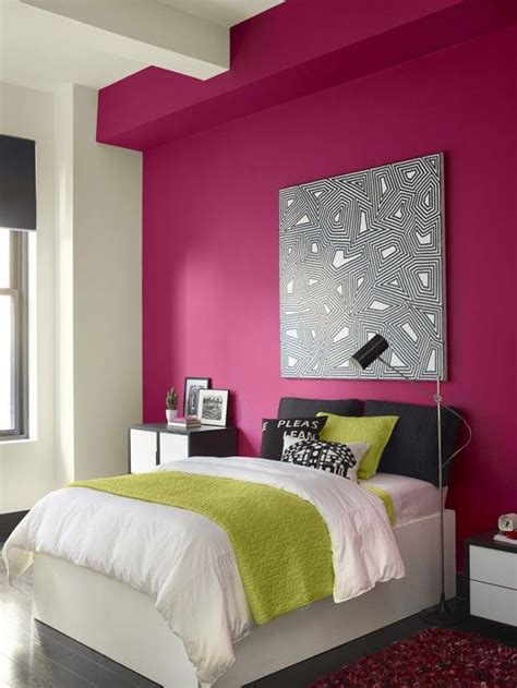 magenta bedroom best 25 magenta walls ideas on pinterest dulux colours
