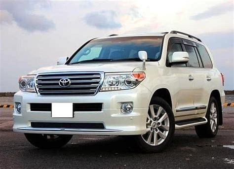 land cruiser car used 2013 toyota land cruiser car white offered by