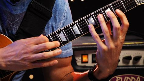 tutorial guitar tapping 3 techniques with two hand tapping heavy metal guitar