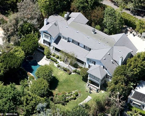 ashton kutcher and mila kunis house mila kunis and ashton kutcher purchase 10mil home in
