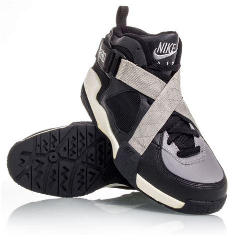 nike air raid basketball shoes buy nike air raid og mens basketball shoes black white