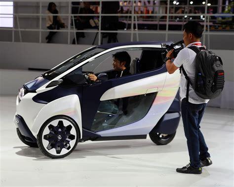 i road トヨタが出展する超小型モビリティ i road の走りは新感覚 東京モーターショー2013 clicccar