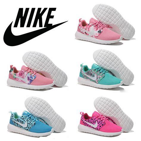 Nike Rosherun Flower nike rosherun roshe run floral flower running shoes