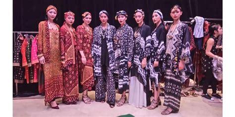 Kain Jumputan Motif Antik Stel kain antik indonesia jadi sumber inspirasi ghea panggabean