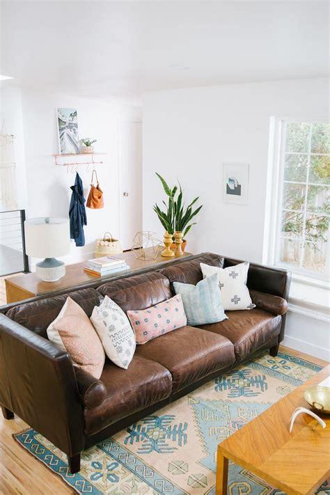 sofa pillow ideas best 25 pillow arrangement ideas on