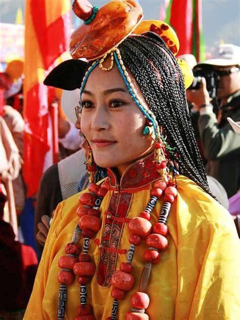 dzi tibet tibetan fashion with dzi