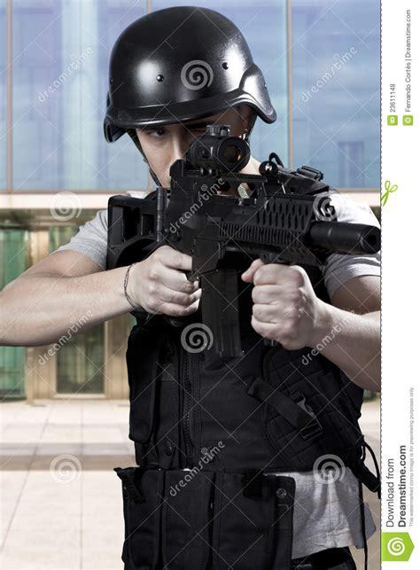 imagenes libres policia polic 237 as armados negros fotos de archivo libres de