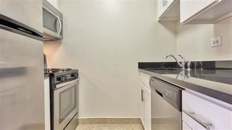 westmont apartments reviews the westmont apartments in west side 730 columbus avenue equityapartments