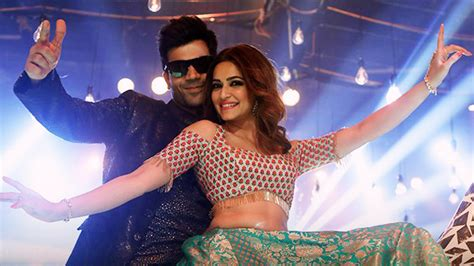 tutorial dance on pallo latke rajkummar rao steals the show with his dance moves in