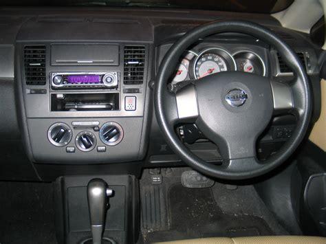 nissan tiida interior 2009 2007 nissan tiida interior pictures cargurus