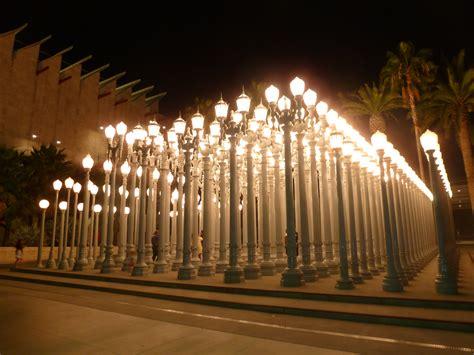 la museum of art lights urban light on wilshire blvd lacma visual voice