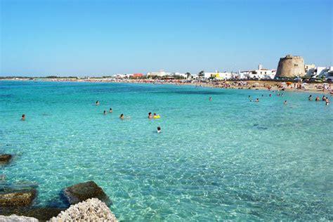 sulla spiaggia puglia spiagge salento torre mozza a ugento the