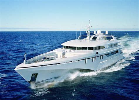 trimaran white rabbit white rabbit and trimaran yachts general catamaran