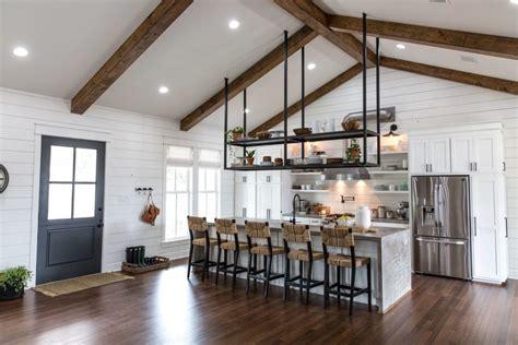 remodelaholic    fixer upper  shack