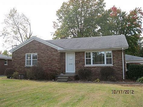 2001 s lombard ave evansville in 47714 foreclosed home