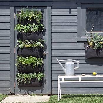 orti da terrazzo come realizzare un orto verticale sul balcone radici