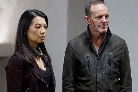 clark gregg agents of shield agents of shield s season 5 finale could serve as series