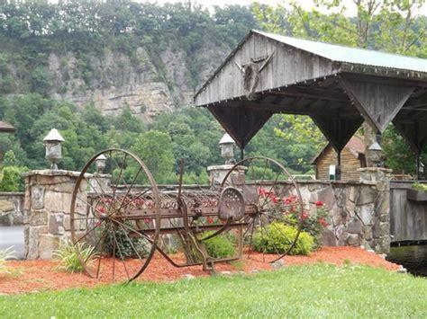 Smoke Caverns Log Cabin Resort by Mountains Picture Of Smoke Caverns Log Cabin Resort Cabins Tripadvisor