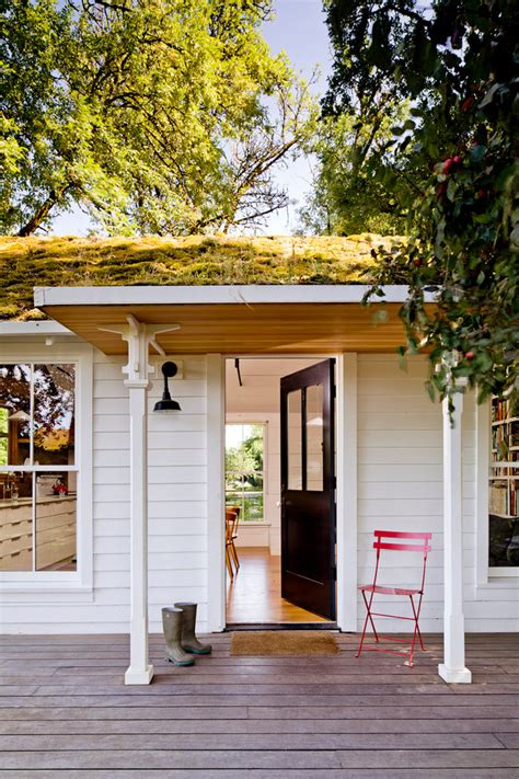 tiny house with deck 39 cool small front porch design ideas digsdigs