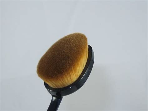 My Makeup Brush Lemming Of The Moment by Best 20 Oval Makeup Brushes Ideas On Oval