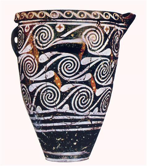 vasi minoici ceramica minoico medio arte minoica