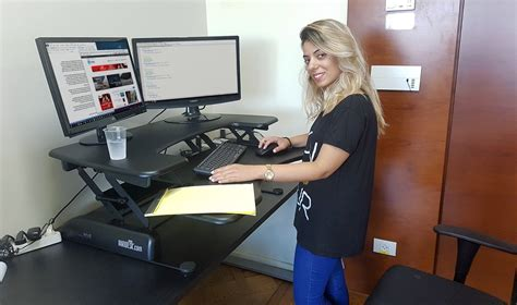 vera desk nofarnews סקירה varidesk pro plus 36 עמדת עבודה ממש אחרת