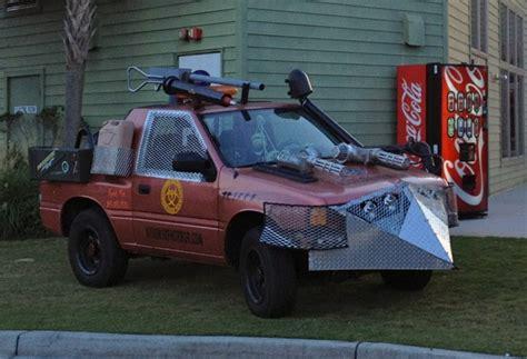 zombie survival truck isuzu amigo zombie truck zombie survival pinterest