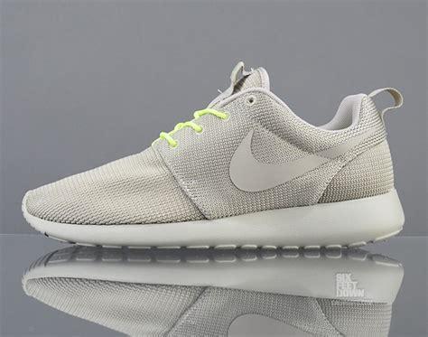 Nike Roshe Run Made In 02 nike roshe run qs quot split pack quot classic volt