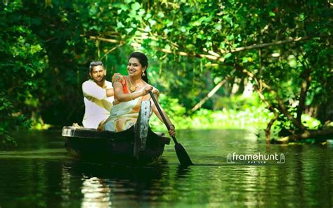 Marriage Photography by Kerala Wedding Photo Framehunt Wedding Photography