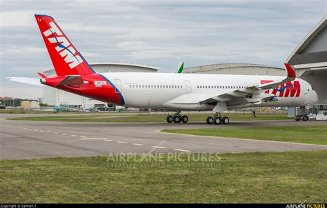 tam airlines reveals their first a350 xwb aviatoraero f wzfs tam airbus a350 900 at toulouse blagnac photo