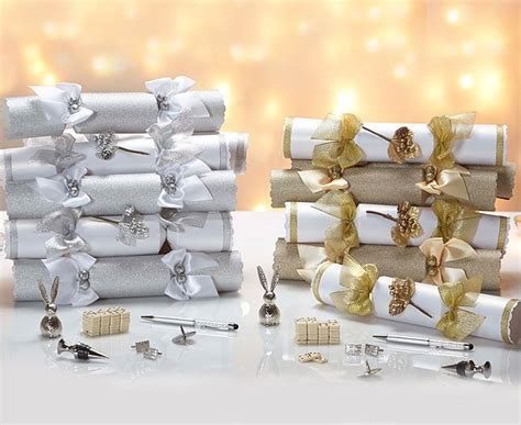 christmas xmas luxury cracker party festive gift inside