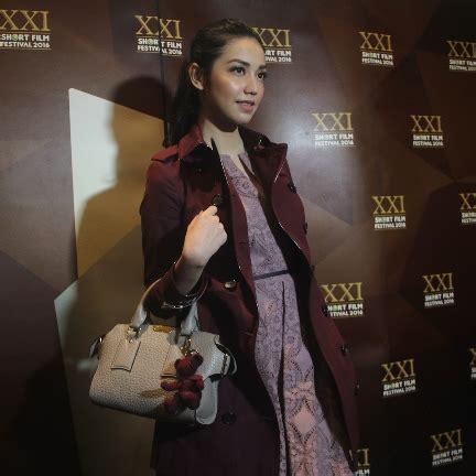 download film indonesia wa alaikumsalam paris wa alaikumsalam paris tayang di bioskop 17 maret 2016