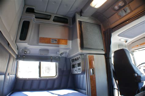 2014 Freightliner Cascadia Evolution Interior Volvo Semi Truck Sleeper 60 Inch Interior Google Search