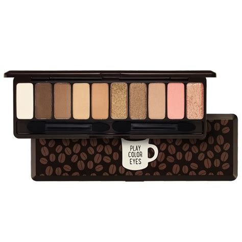 Ss Etude House Park Color Eyeshadow Brush play color in the cafe